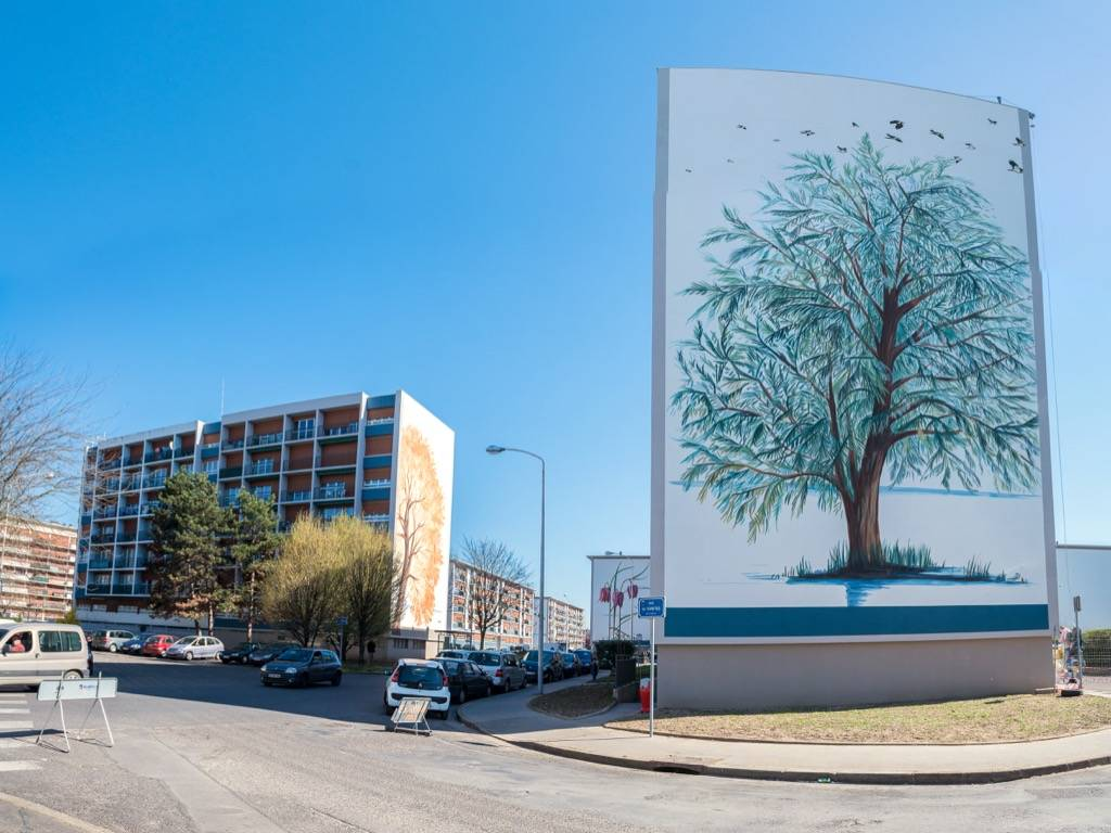 Fresque murale des bords de Loire dans le quartier Sanitas à Tours en France